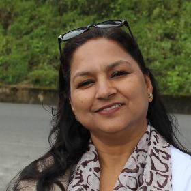 Dr Neena Bansal